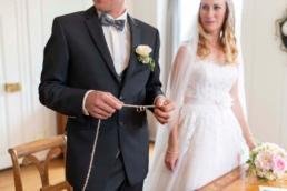 Zivilhochzeit Lenzburg Ringritual Hochzeitsfotograf Aargau